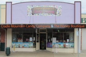 Cradle Mountain Candy Company and Honey Boutique - Wagga Wagga Accommodation