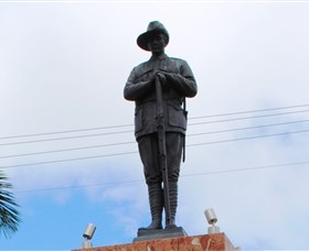 Charters Towers Memorial Cenotaph - Wagga Wagga Accommodation