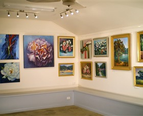 Ros McArthur Art Studio - Wagga Wagga Accommodation