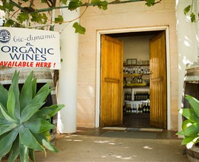 Robinvale Wines - Wagga Wagga Accommodation