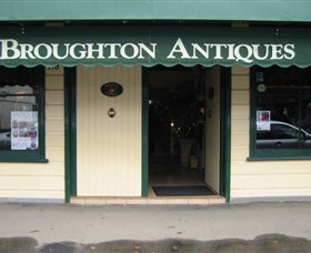 Broughton Antiques - Wagga Wagga Accommodation