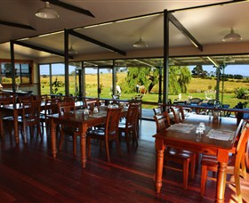 Eastview Estate - Winery Brewery and Distillery - Wagga Wagga Accommodation