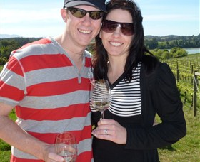 Kenny Escapes Food and Wine Tours - Wagga Wagga Accommodation