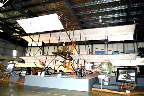 Australian Army Flying Museum - Wagga Wagga Accommodation