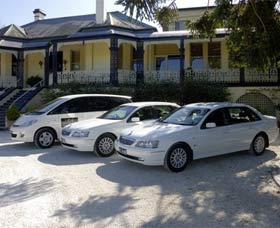Highlands Chauffeured Hire Cars Tours - Wagga Wagga Accommodation