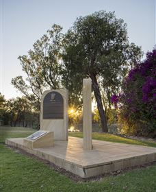 St George Pilots Memorial - Wagga Wagga Accommodation