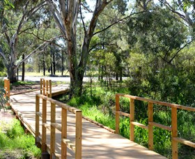 Green Corridor Walking Track - Wagga Wagga Accommodation