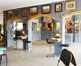 Splatter Gallery and Art Studio - Wagga Wagga Accommodation