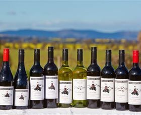Houlaghans Valley Wines - Wagga Wagga Accommodation
