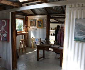 Tin Shed Gallery - Wagga Wagga Accommodation