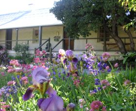Raglan Gallery And Cultural Centre - Wagga Wagga Accommodation