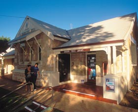Dongara Heritage Walk - Wagga Wagga Accommodation