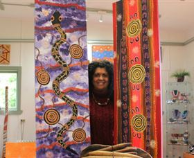 Apma Creations Aboriginal Art Gallery and Gift shop - Wagga Wagga Accommodation