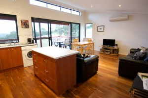 Karrak Reach Forest Retreat - Wagga Wagga Accommodation