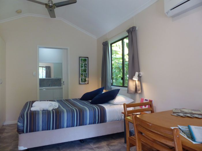 Daintree Valley Haven - Wagga Wagga Accommodation
