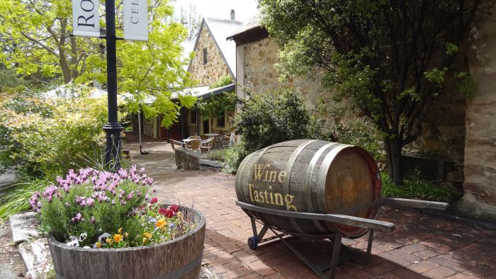 Wine Lovers Tours - Wagga Wagga Accommodation