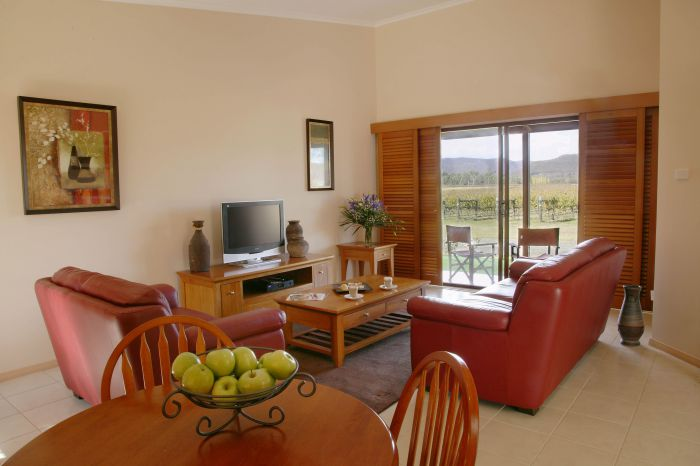 Nightingale Wines Luxury Villas - Wagga Wagga Accommodation