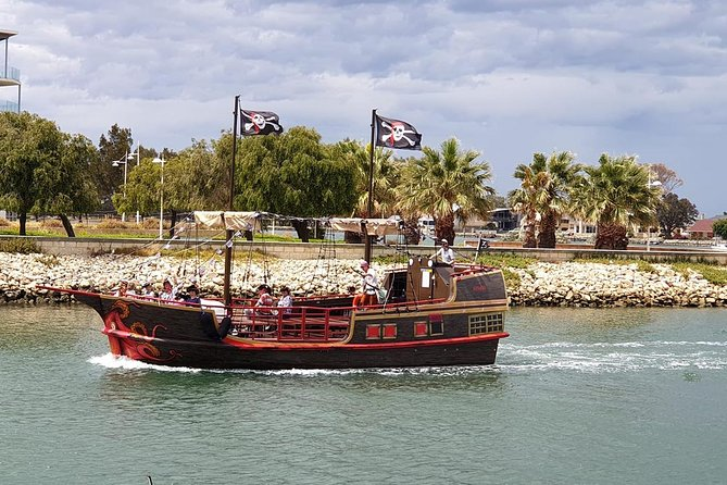 The Pirate Cruise - Wagga Wagga Accommodation