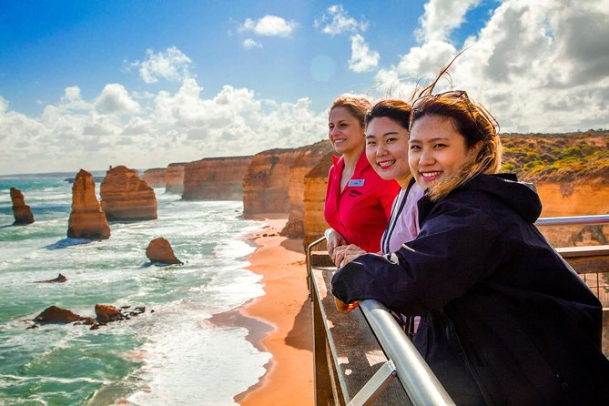 4-Day Melbourne Tour City Sightseeing Great Ocean Road and Phillip Island - Wagga Wagga Accommodation