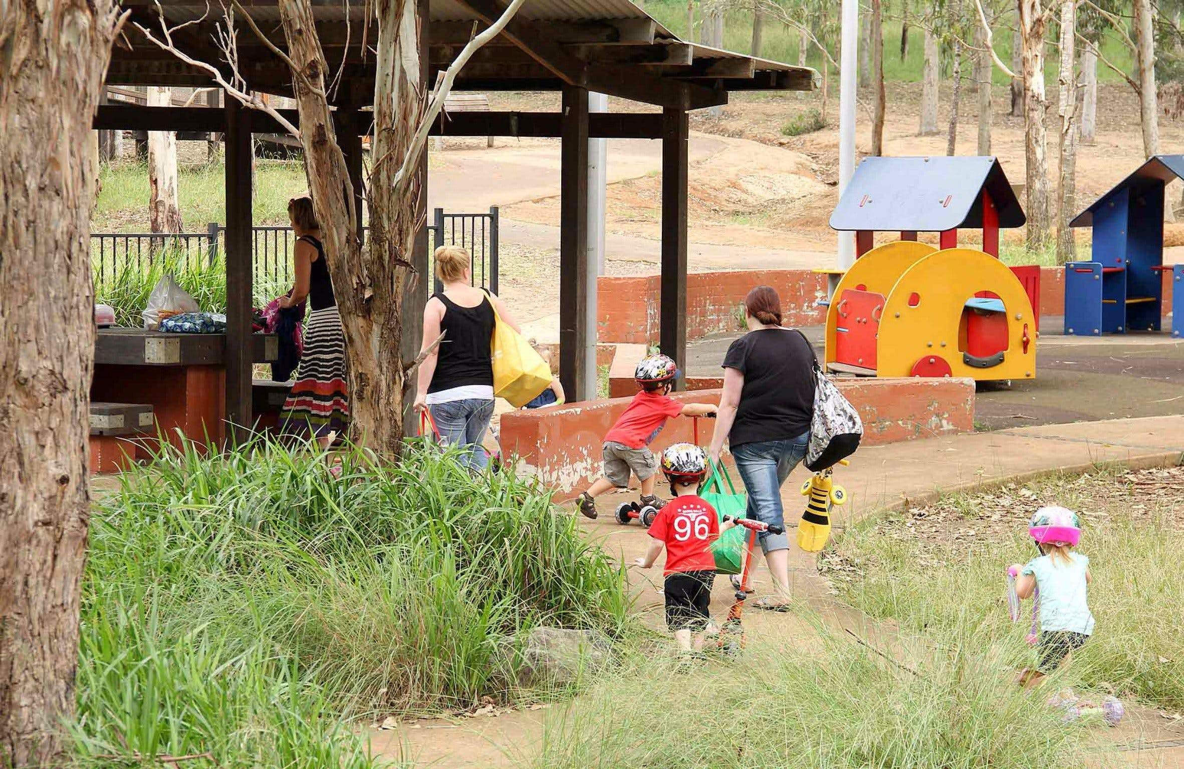 Rouse Hill picnic area and playground - Wagga Wagga Accommodation