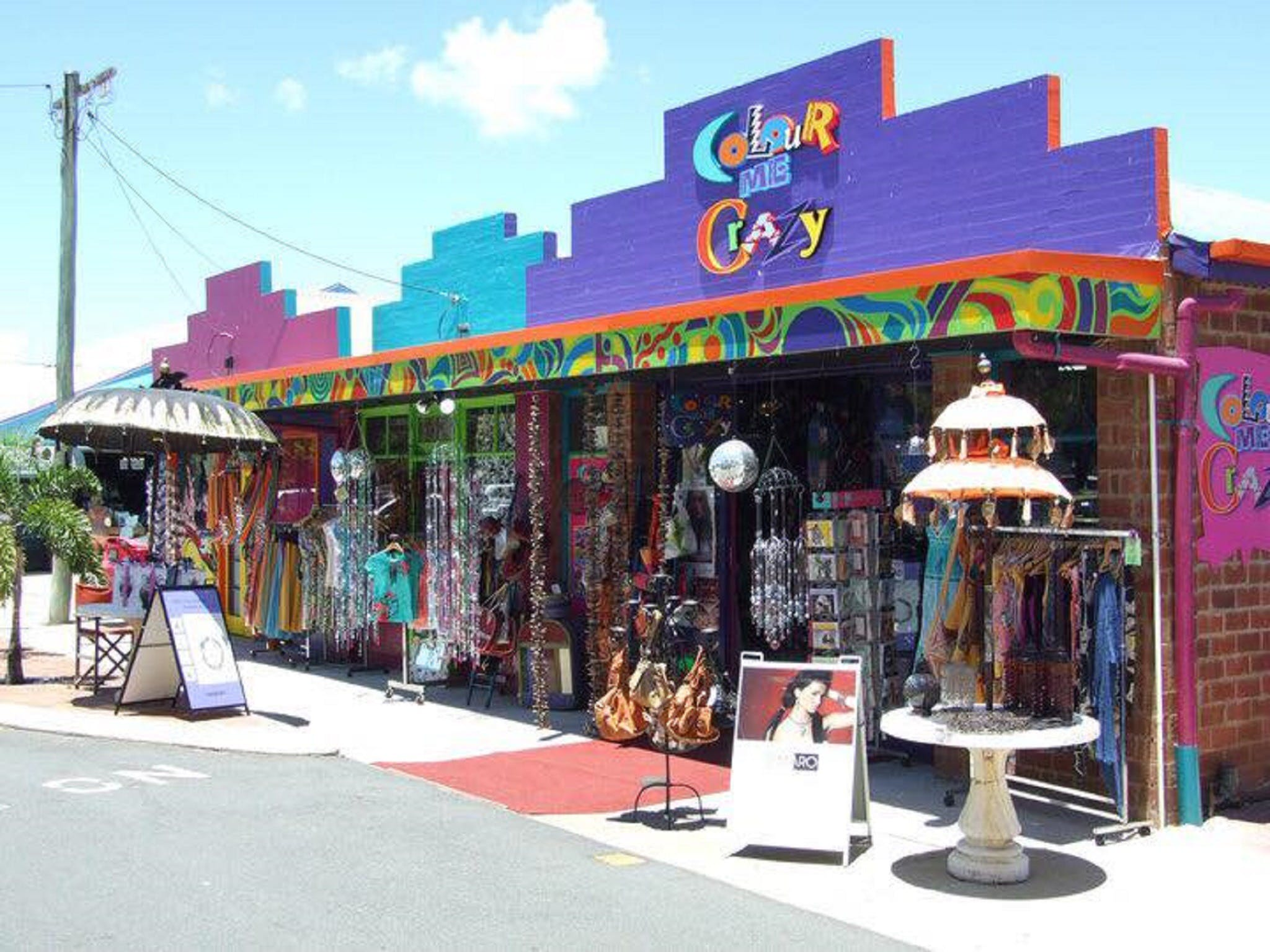 Colour Me Crazy - Wagga Wagga Accommodation