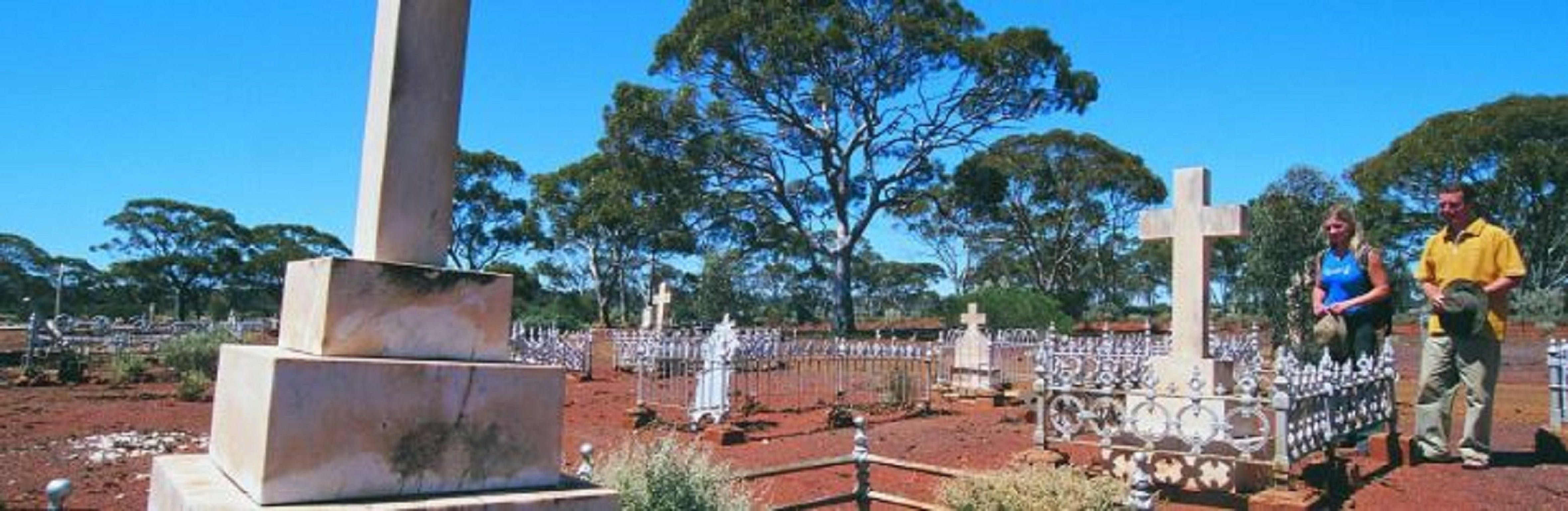Old Pioneer Cemetery Coolgardie - Wagga Wagga Accommodation