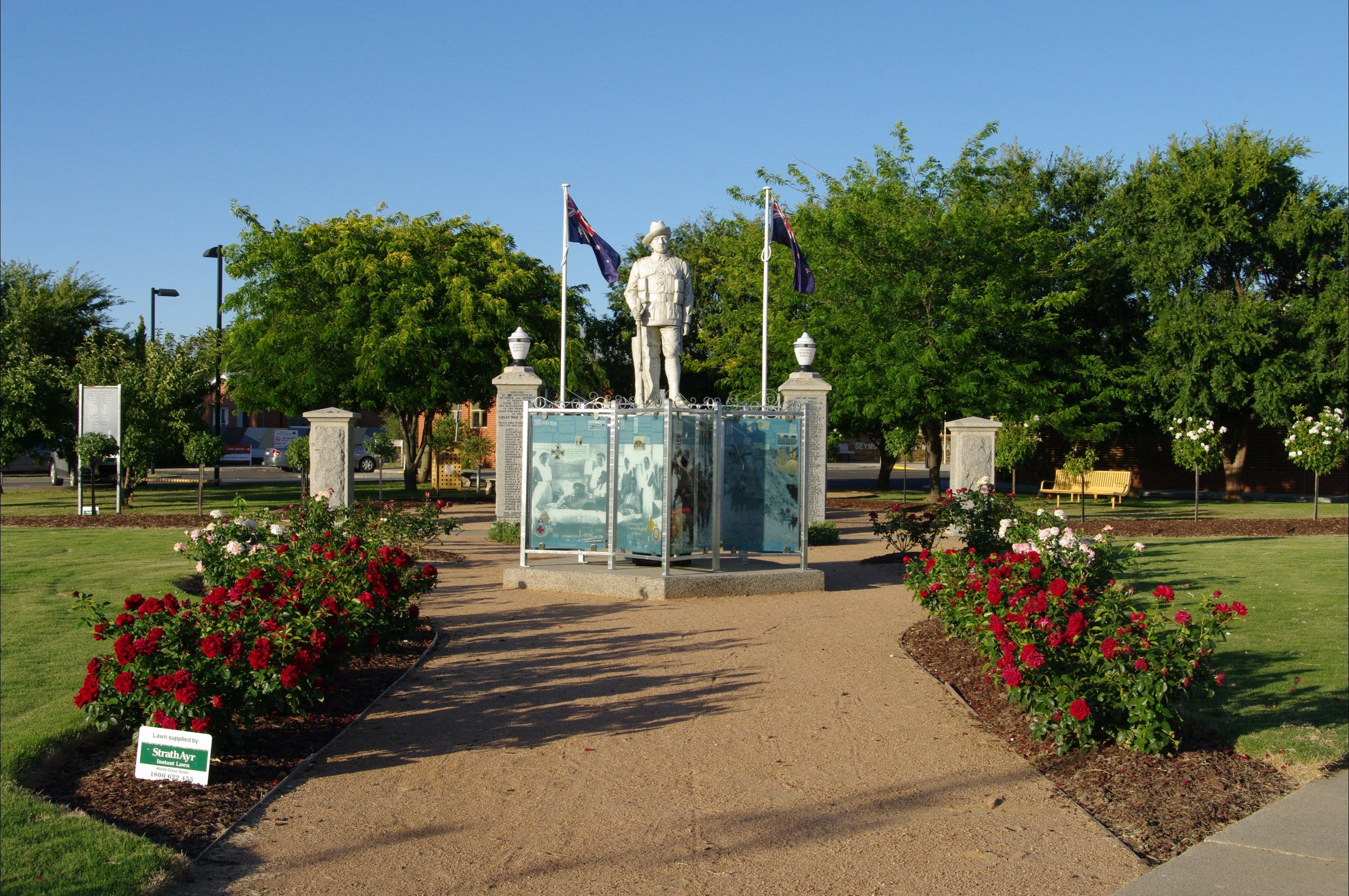 WW1 Memorial Park - Wagga Wagga Accommodation