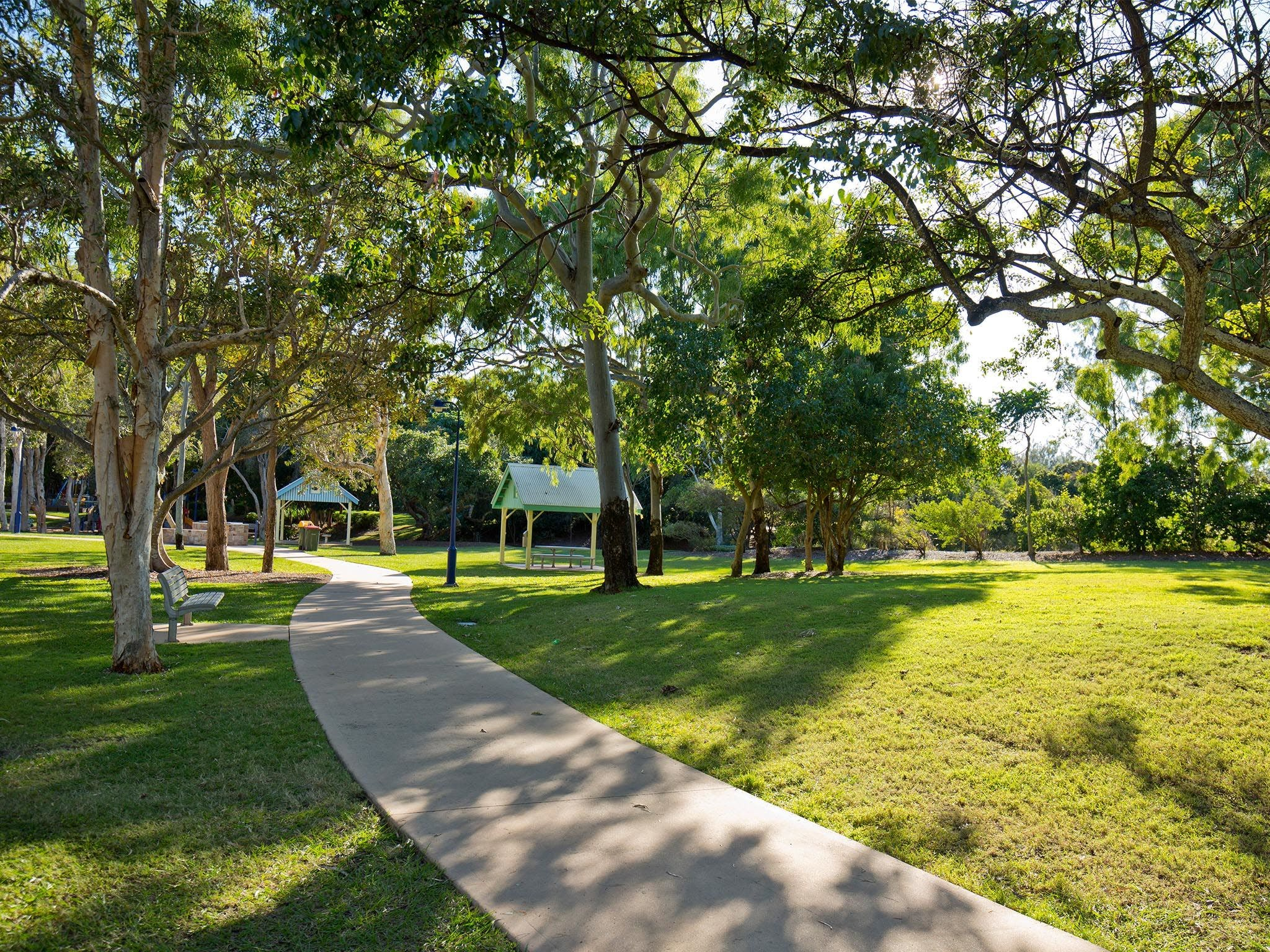 Millennium Esplanade and Tannum Sands Beach - Wagga Wagga Accommodation