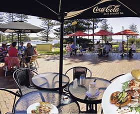 The Beach and Bush Gallery and Cafe - Wagga Wagga Accommodation