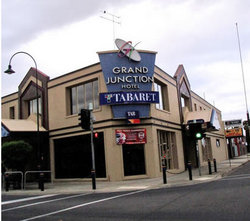 Grand Junction Hotel - Wagga Wagga Accommodation