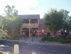 Alpine Hotel - Wagga Wagga Accommodation