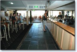 Bateau Bay Hotel - Wagga Wagga Accommodation