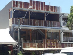 Ironbar Saloon - Wagga Wagga Accommodation