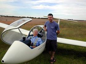 Waikerie Gliding Club - Wagga Wagga Accommodation