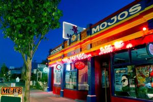 Mojo's Bar - Wagga Wagga Accommodation