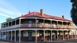 Brookton Club Hotel - Wagga Wagga Accommodation