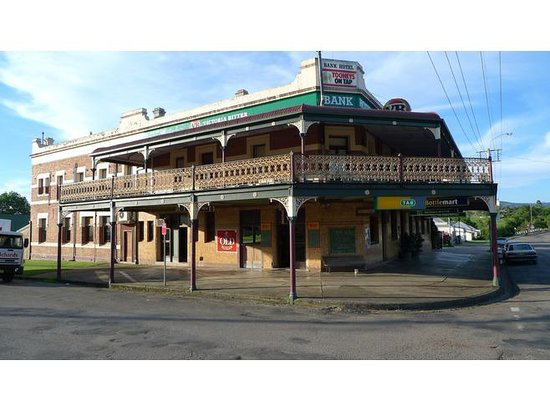 Bank Hotel Dungog - Wagga Wagga Accommodation