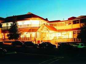 Loxton Community Hotel Motel - Wagga Wagga Accommodation