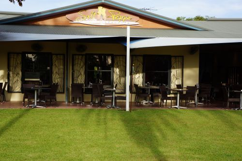 Saltnpeppa Cafe Ristorante - Wagga Wagga Accommodation