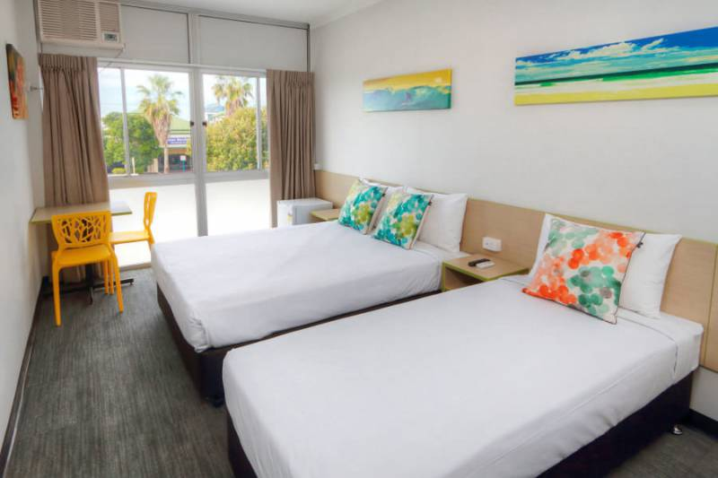 Palm Beach Hotel - Wagga Wagga Accommodation