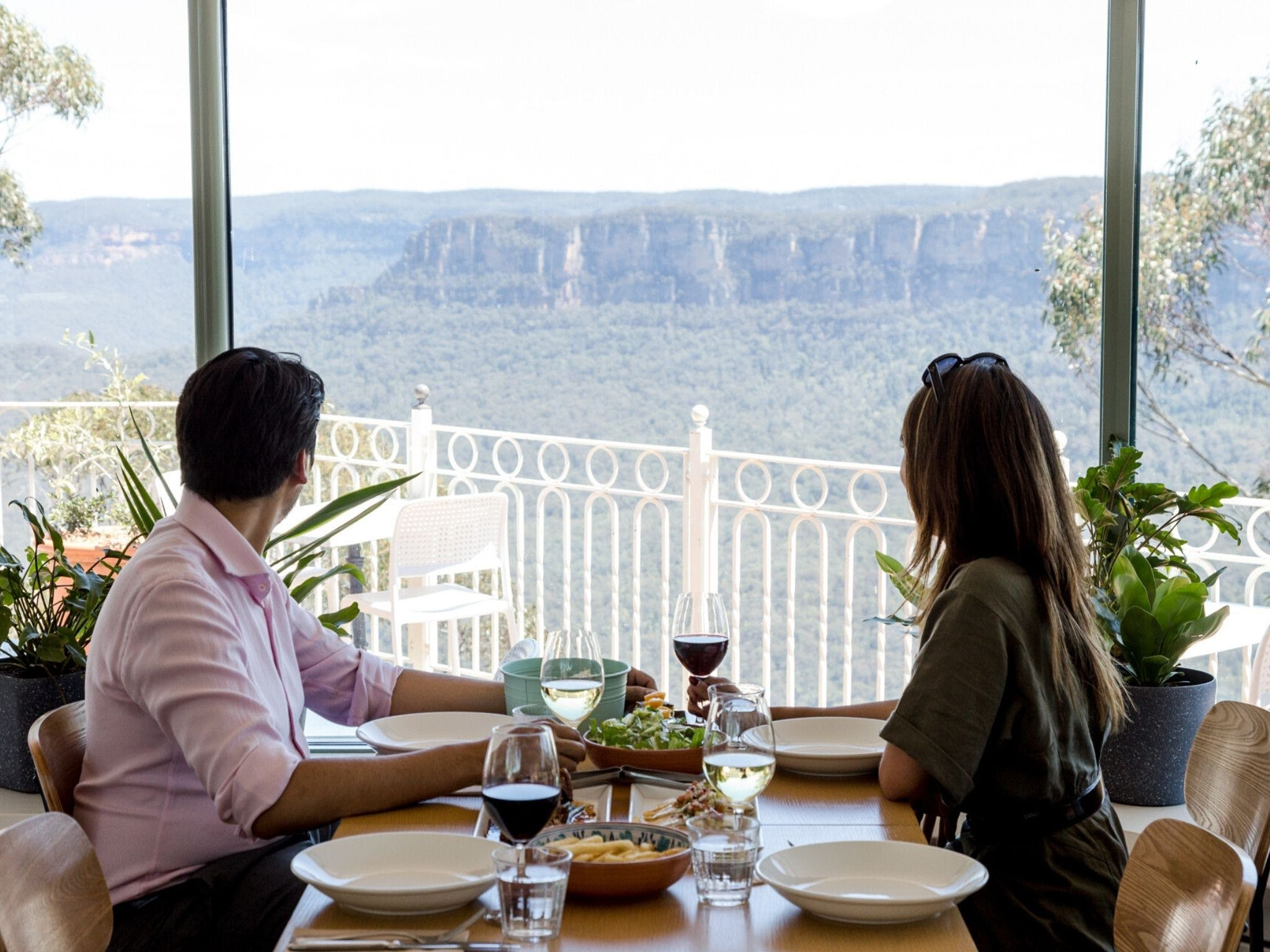 Christmas Day Lunch at The Lookout Echo Point - Wagga Wagga Accommodation