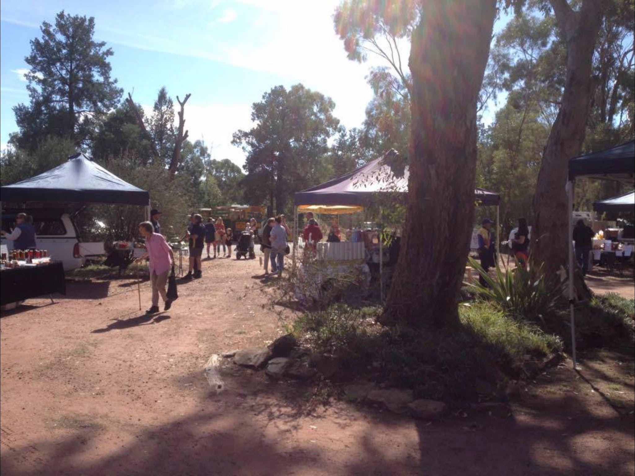 Narrandera Farmers Market - Wagga Wagga Accommodation