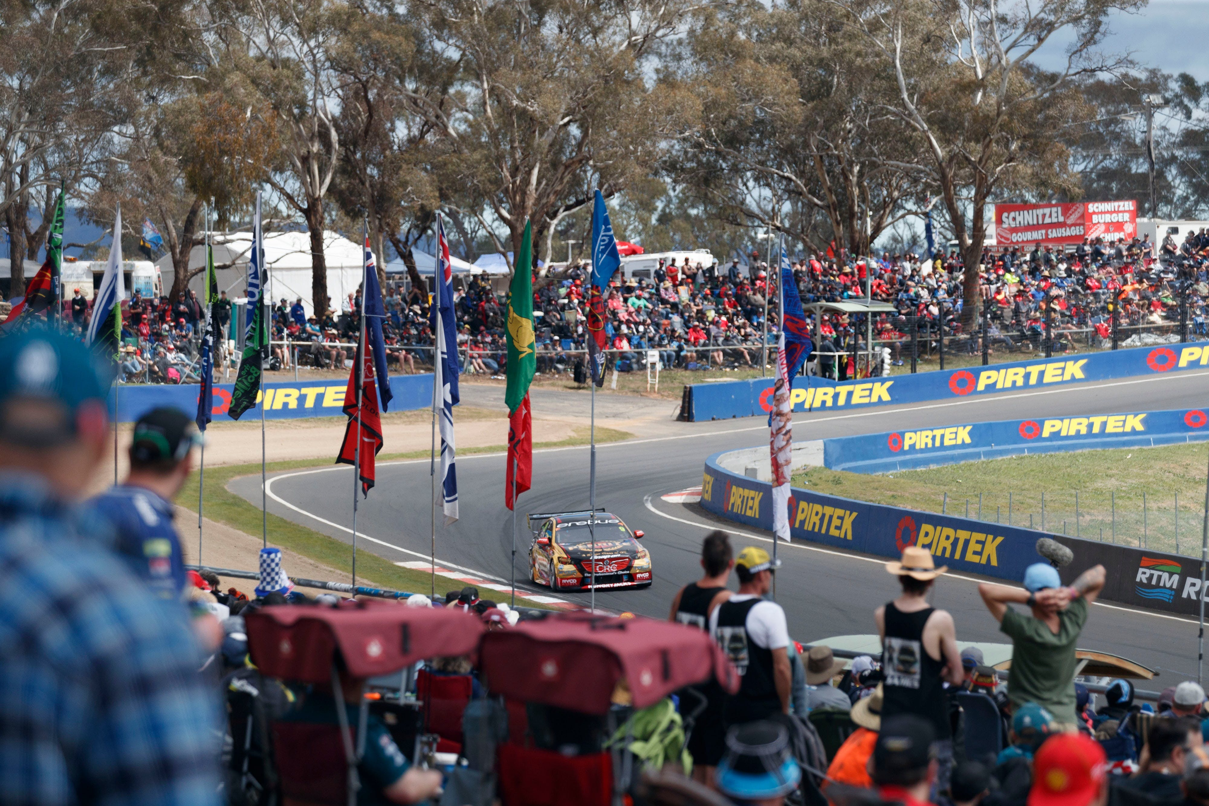 Supercars Supercheap Auto Bathurst 1000 - Wagga Wagga Accommodation