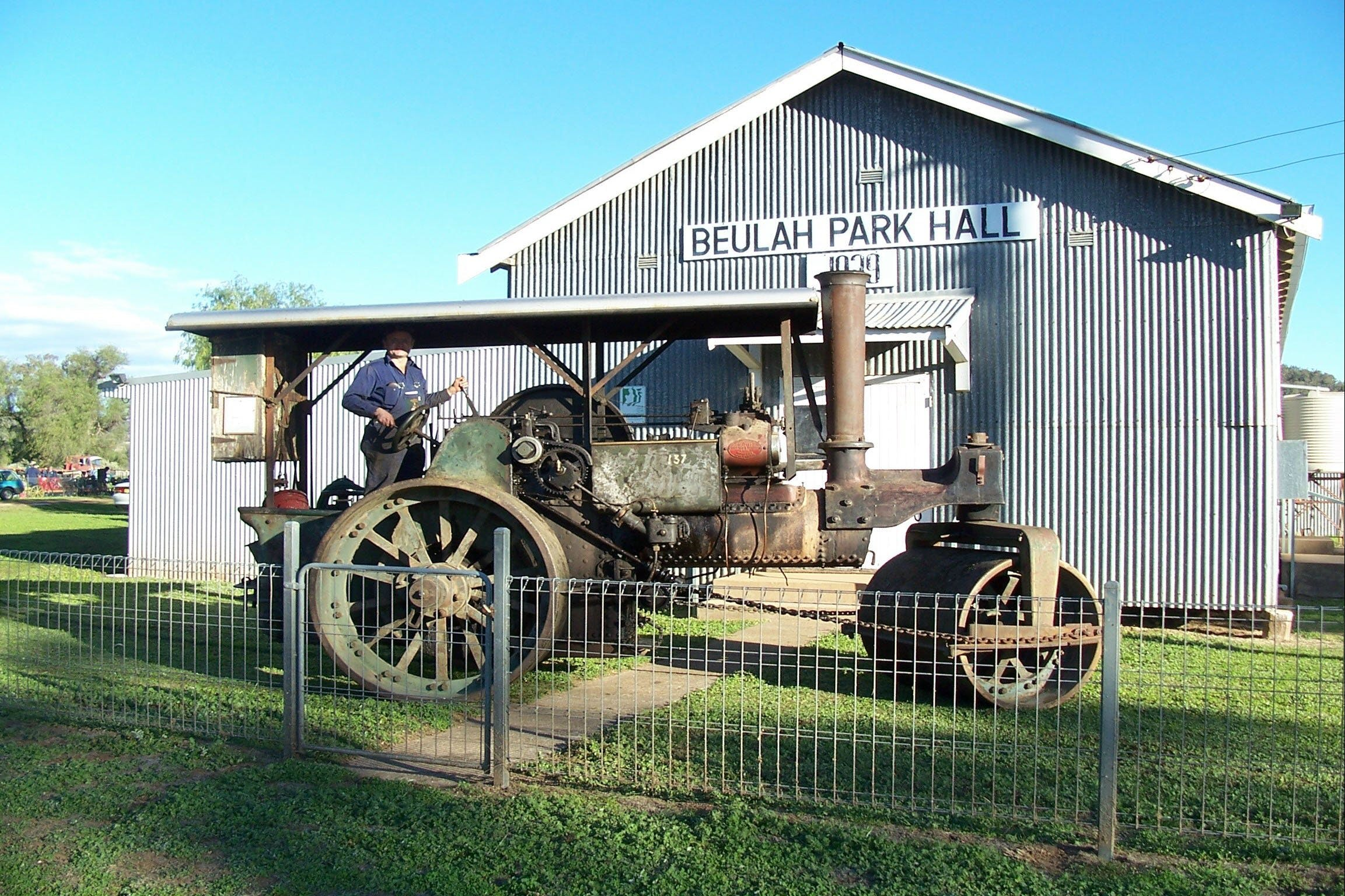 Eulah Creek Antique and Machinery Day - Wagga Wagga Accommodation