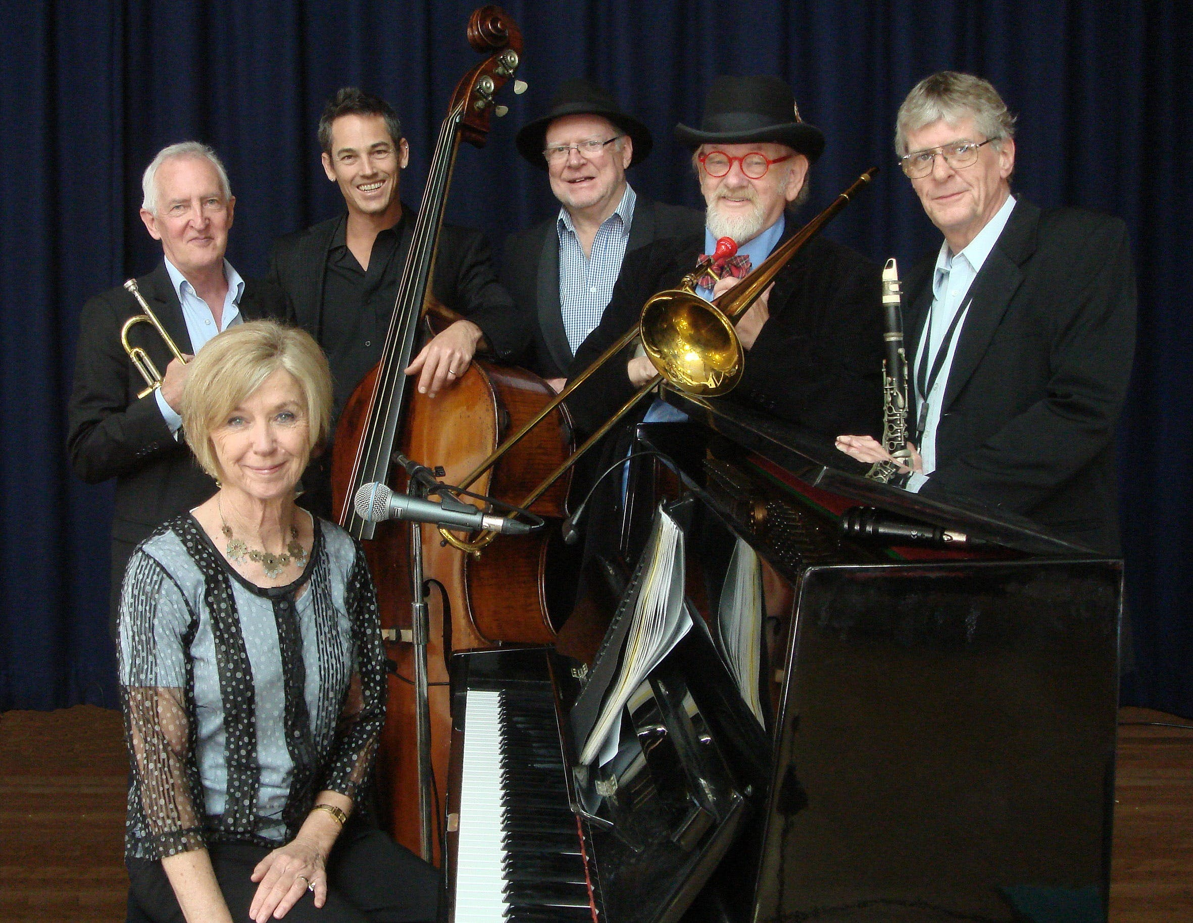 The Caxton Street Jazz Band in the Swigmore Hall at Robert Channon Wines - Wagga Wagga Accommodation