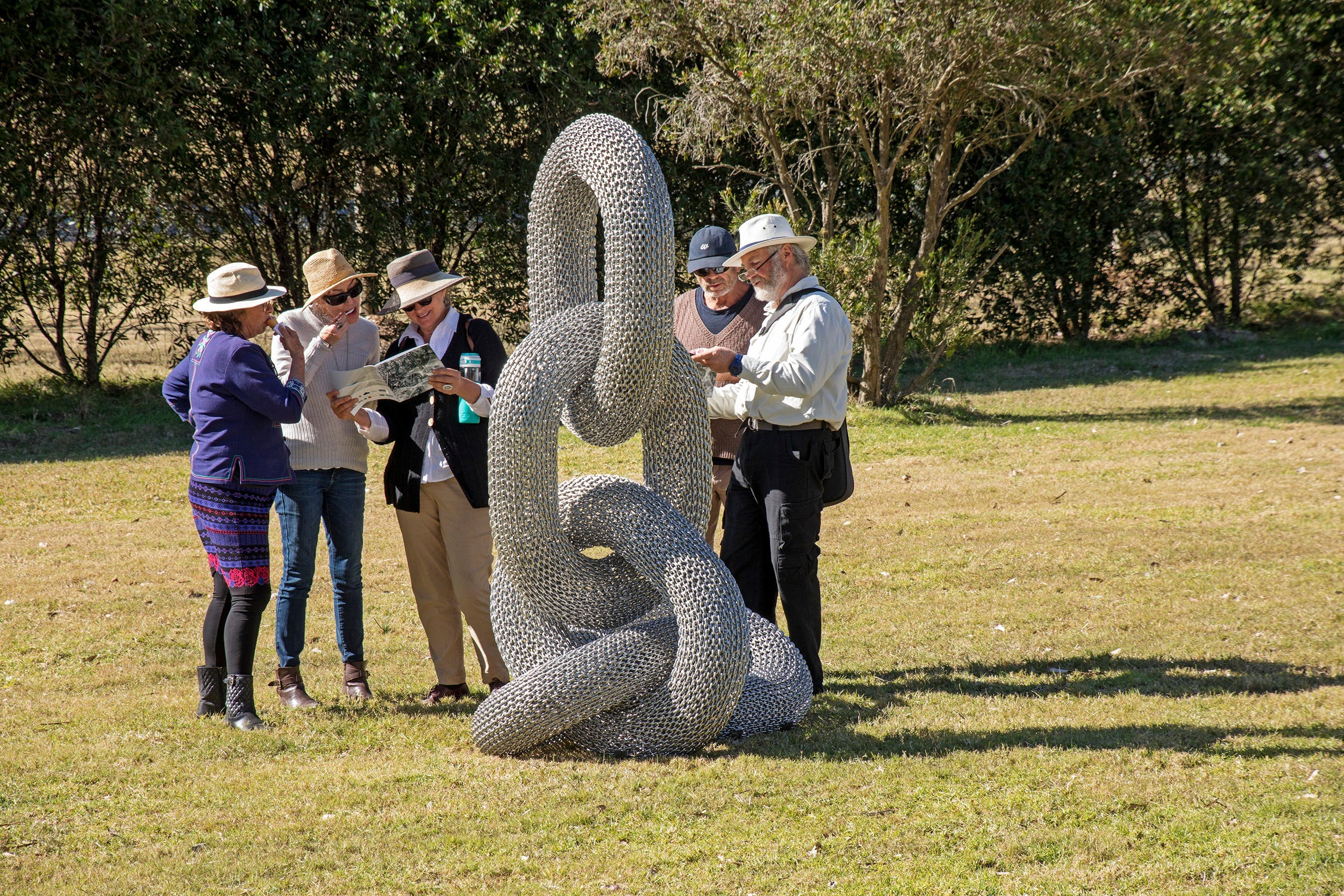 Sculpture for Clyde - Outdoor Exhibition - Wagga Wagga Accommodation