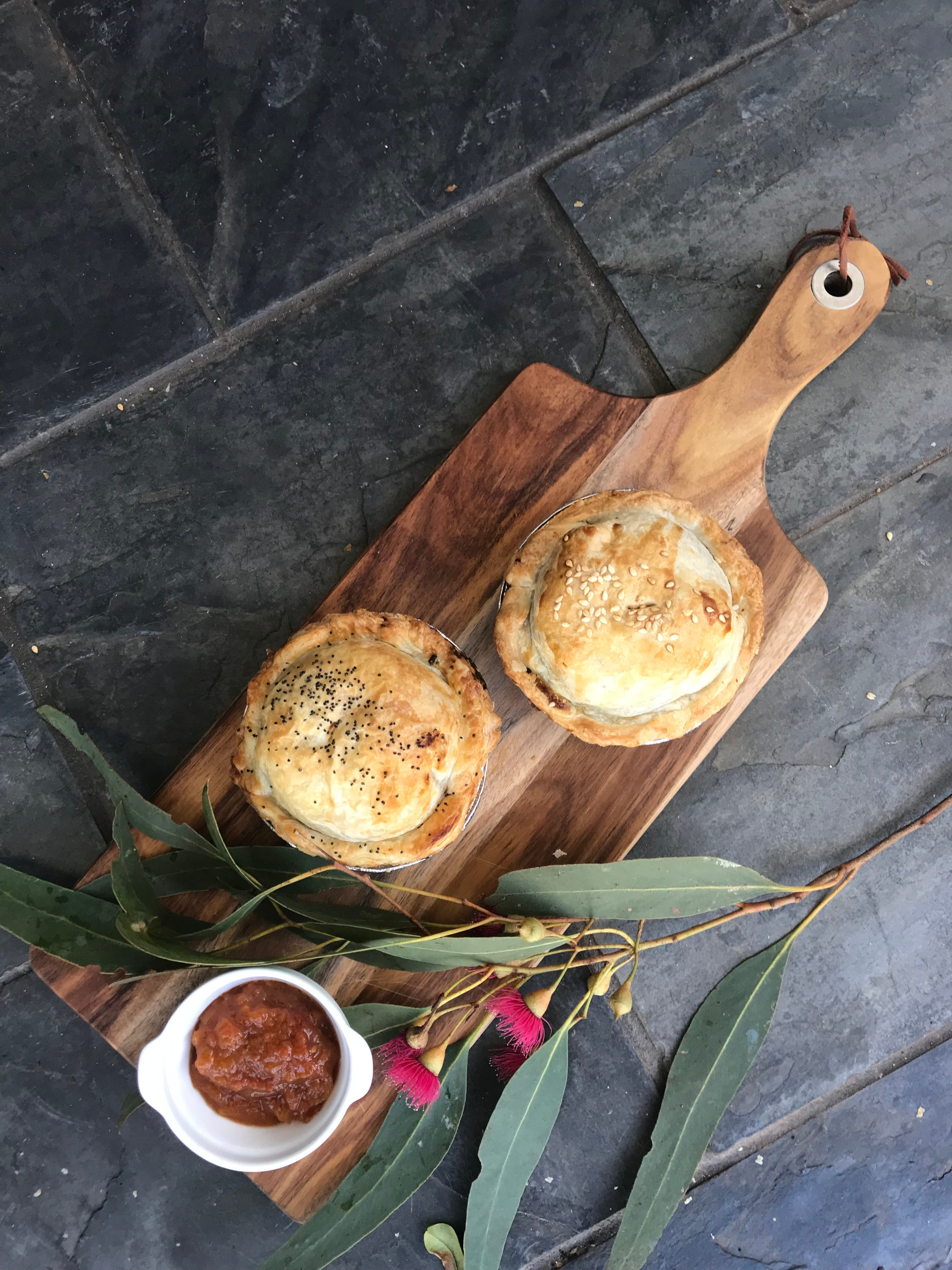 Aged Wine and Vintage Pies - Wagga Wagga Accommodation