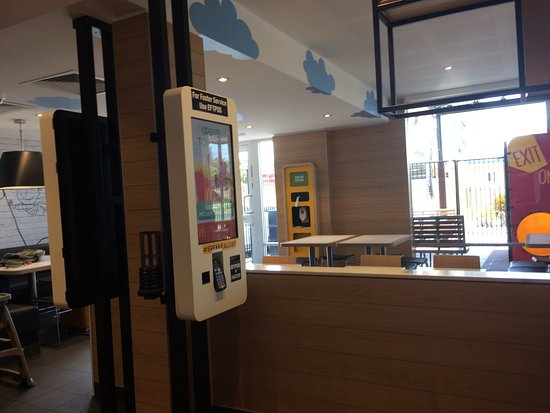 McDonald's Glenmore - Wagga Wagga Accommodation