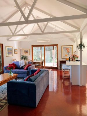 Lost in the Vines - Wagga Wagga Accommodation