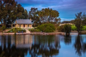 Stonewell Cottages and Vineyards - Wagga Wagga Accommodation